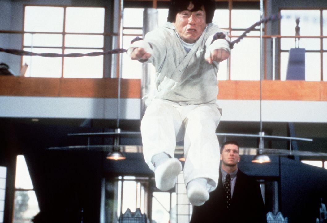 Hat mit den Gangstern noch ein Hühnchen zu rupfen: Fernsehkoch Jackie (Jackie Chan) ... - Bildquelle: Kinowelt Filmverleih