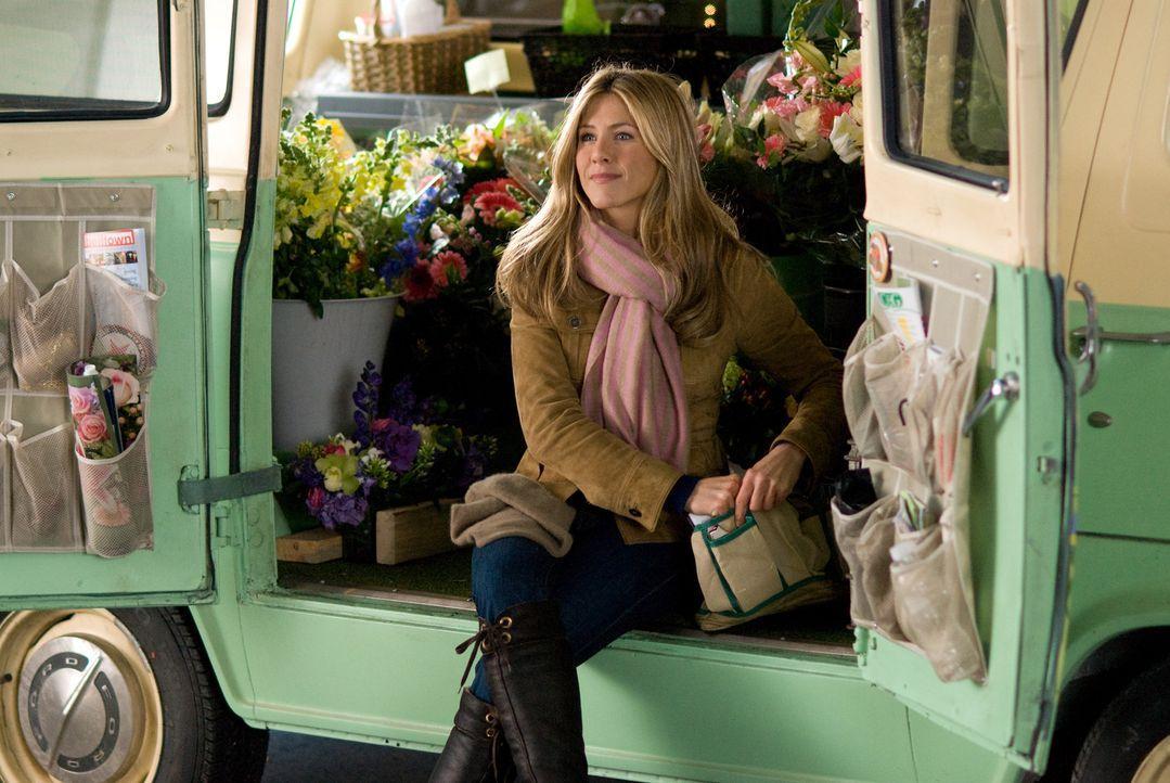 Die liebenswerte Eloise (Jennifer Aniston) hat sich ihren großen Traum erfüllt und endlich einen eigenen Blumenladen eröffnet ... - Bildquelle: Universal Pictures