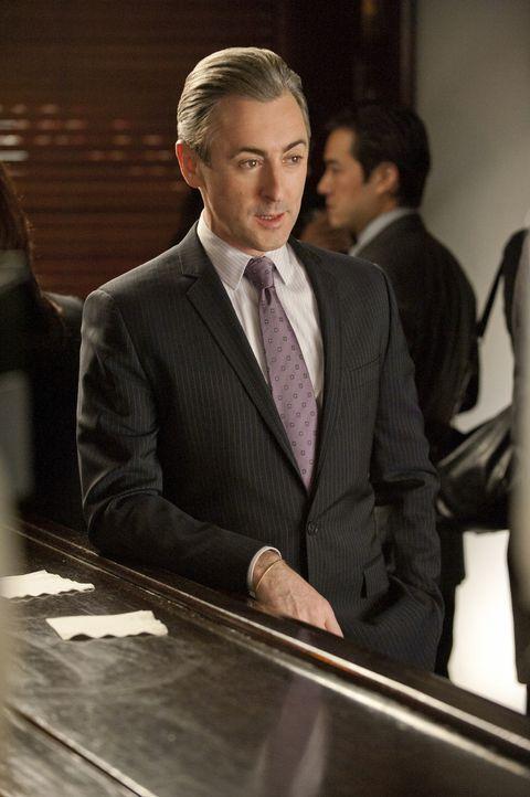 Eli (Alan Cumming) fühlt sich vernachlässigt, da ihm nicht Alicia als helfende Hand zugeteilt wird, sondern Caitlin. - Bildquelle: 2011 CBS Broadcasting Inc. All Rights Reserved.