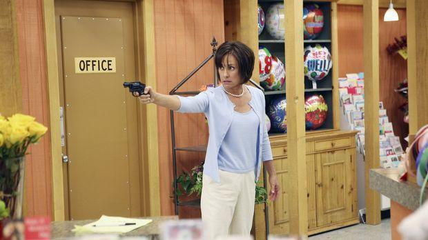 Als Carolyn Bigsby (Laurie Metcalf) den Supermarkt betritt, indem ihr Mann Ha...