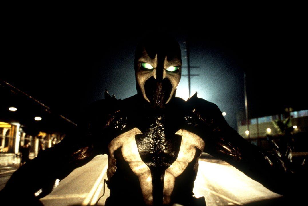 Spawn (Michael Jai White) wurde von Satan auserwählt, Armaggedon zu starten und die Heerscharen der Hölle anzuführen. Deswegen wurde er vom Fürst de... - Bildquelle: New Line Cinema
