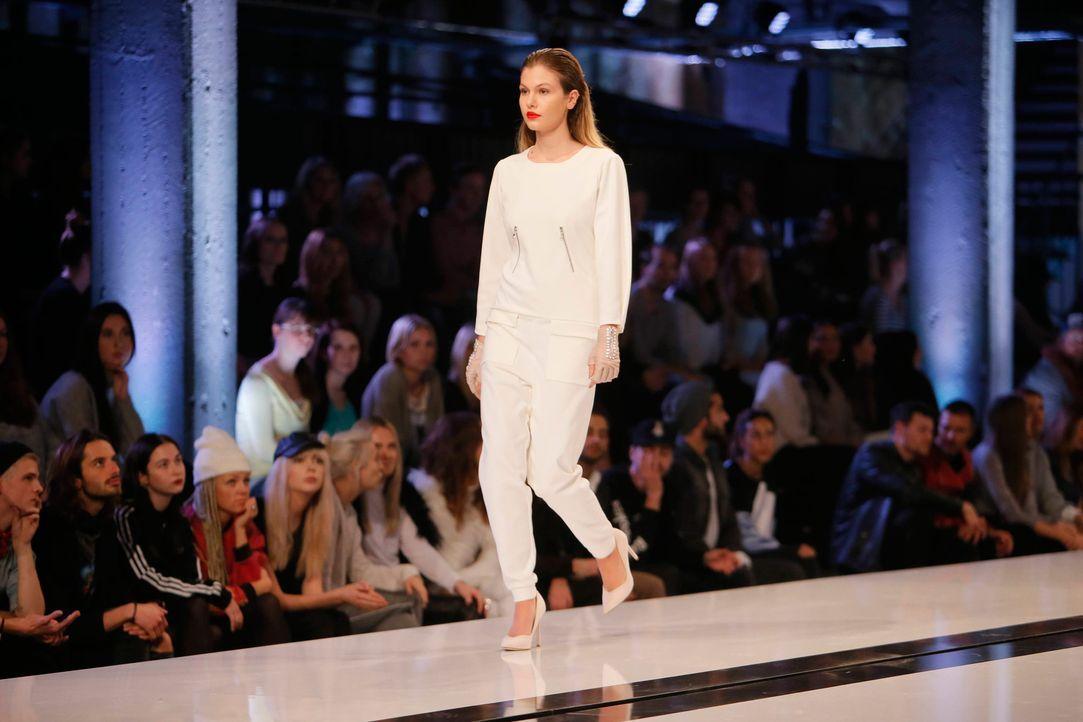 GNTM-Stf11-Epi01-erste-fashion-show-19-ProSieben-Huebner - Bildquelle: ProSieben/Richard Huebner