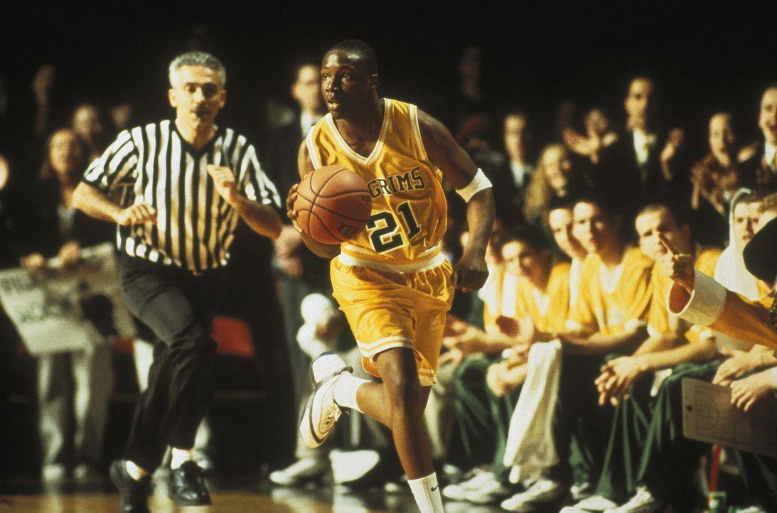 Jamal (Rob Brown, M.) ist nicht nur ein sehr begabter Schüler mit schriftstellerischen Ambitionen, sondern auch ein begnadeter Basketballspieler. E... - Bildquelle: Columbia Pictures