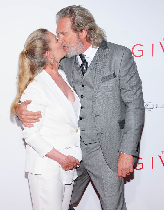 The-Giver-Premiere-NY-Jeff-Bridges-Susan-Geston-14-08-11-1-WENN-com - Bildquelle: WENN.com