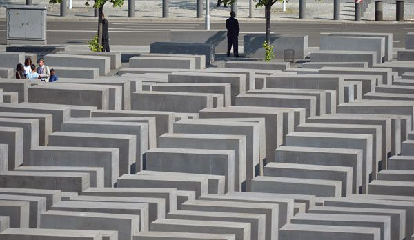 Holocaust-Mahnmal  - Bildquelle: dpa