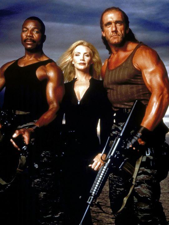 Als die US-Olympia-Mannschaft in Gefahr gerät, stellt Mike (Hulk Hogan, r.) gemeinsam mit seinem Kumpel Roy Brown (Carl Weathers, l.) eine Eliteein... - Bildquelle: Alliance Entertainment