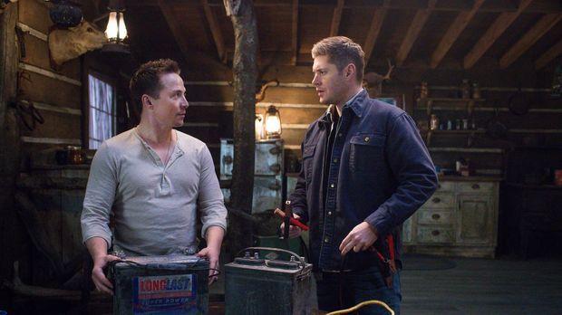 Cole (Travis Aaron Wade, l.) taucht plötzlich auf, als Dean (Jensen Ackles, r...