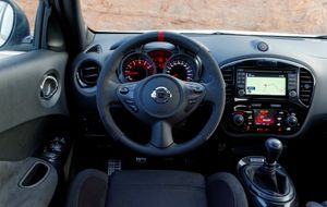 Nissan_JukeNismo_Interior