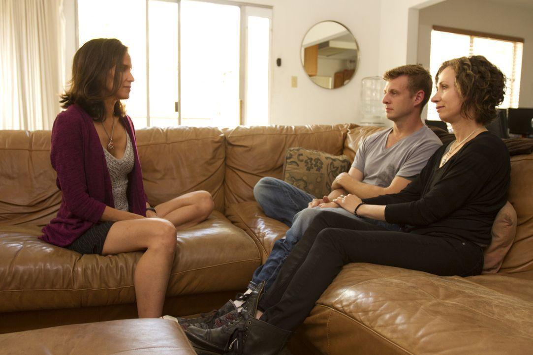 Kamala (l.) möchte Jesse (M.) und Jen (r.) dabei helfen, dass beide in ihrer Beziehung glücklich werden, doch für Jesse wirkt das, als wenn die beid... - Bildquelle: Showtime Networks Inc. All rights reserved.