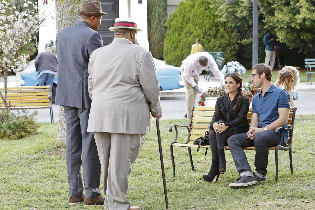 Staffel 3, Folge 11 - Parkbank-Meeting - Bildquelle: Warner Bros. Entertainment Inc.