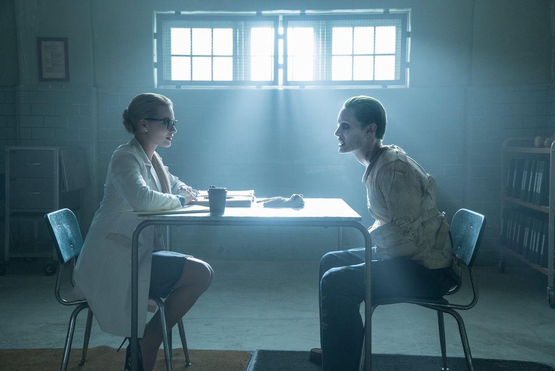 (v.l.n.r.) Harley Quinn (Margot Robbie); Der Joker (Jared Leto) - Bildquelle: Warner Bros.