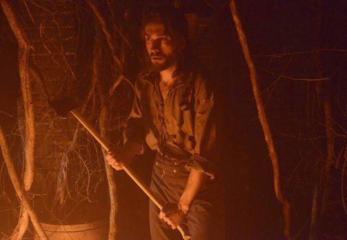 Sleepy Hollow - Als Ichabod (Tom Mison) und Abbie im Fall einer vermissten Pe...