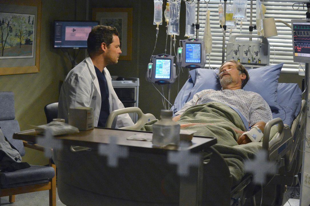 Nähern sich wieder etwas an: Alex (Justin Chambers, l.) und sein Vater Jimmy (James Remar, r.) ... - Bildquelle: ABC Studios