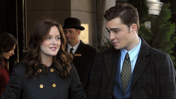 Blair (Leighton Meester, l.) rätselt mit Chuck (Ed Westwick, r.) darüber, was...