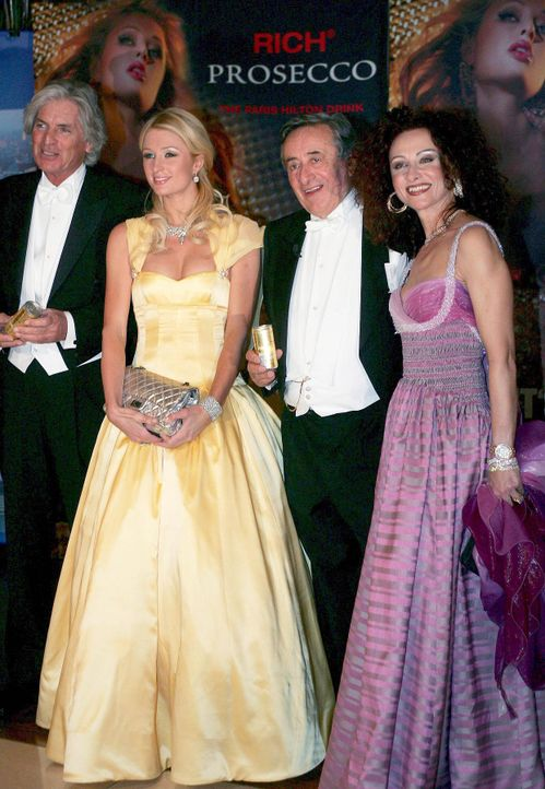 Guenther-Alois-Paris-Hilton-Richard-Lugner-Christina-07-0215-dpa - Bildquelle: dpa
