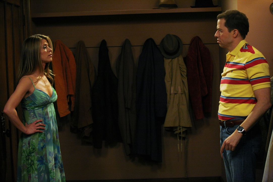 In der Garderobe kommen sich Alan (Jon Cryer, r.) und Shannon (Tammy Lauren, l.) näher ... - Bildquelle: Warner Brothers Entertainment Inc.