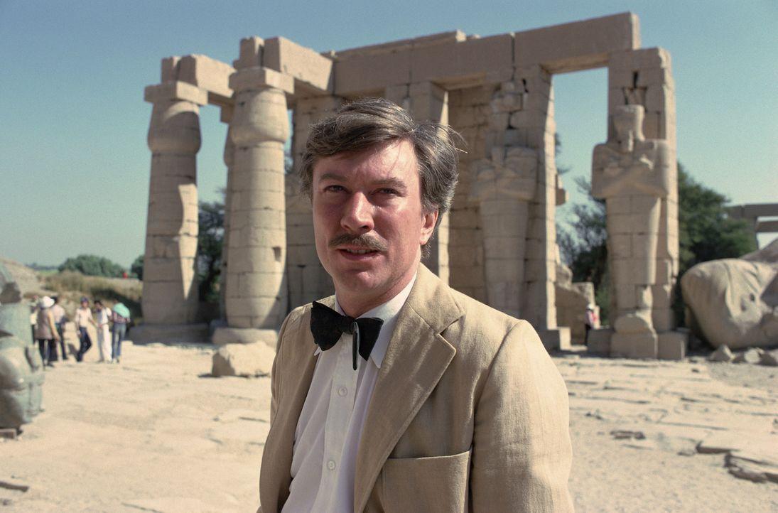 Der englische Archäologe Howard Carter (Robin Ellis) entdeckt nach jahrelangem Suchen das Grab des Tut-Ench-Amun ... - Bildquelle: Columbia Pictures