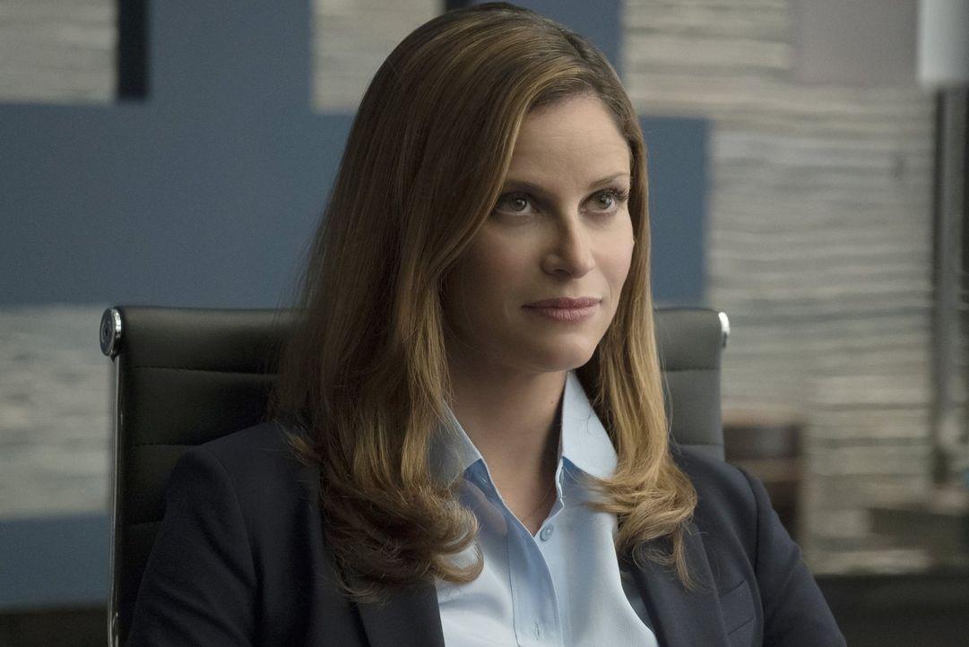 Vivian (Andrea Savage) ist geschockt, als sie Informationen über den oder die möglichen Zombie-Mörder erhält ... - Bildquelle: 2017 Warner Brothers
