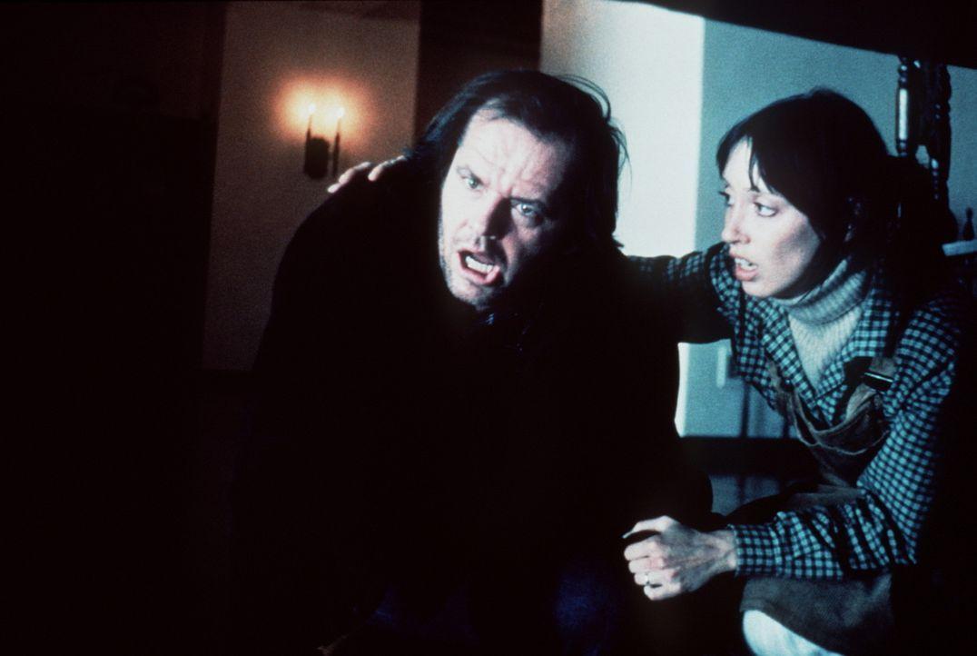 Der Schriftsteller Jack (Jack Nicholson, l.) versetzt seine Frau (Shelley Duvall, r.) in Angst und Schrecken ... - Bildquelle: Warner Bros.
