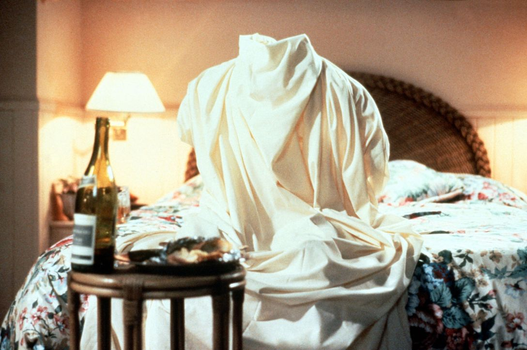 Als Unsichtbarer fällt es Nick leicht, dem CIA immer wieder zu entkommen ... - Bildquelle: Warner Bros.