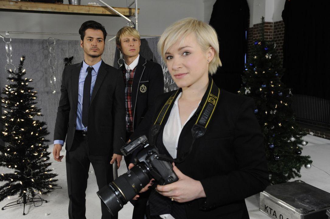 Fleißig bei der Arbeit: Maik (Sebastian König, l.), Virgin (Chris Gebert, M.) und Olivia (Kasia Borek, r.) ... - Bildquelle: SAT.1