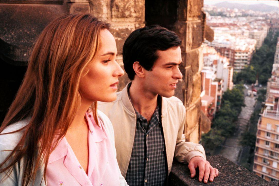 Die schüchterne Französin Anne-Sophie (Judith Godrèche, l.) fühlt sich von ihrem Mann of allein gelassen und ist froh, dass Xavier (Romain Duris... - Bildquelle: Tobis Film GmbH & Co. KG