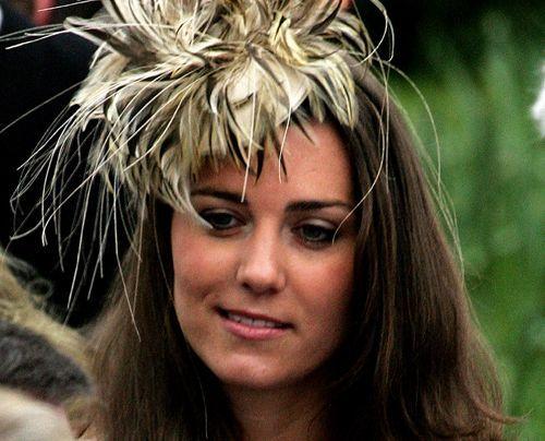 Kate Middleton bei der Hochzeit von Laura Parker-Bowles, der Tochter von Camilla Parker-Bowles.  - Bildquelle: AFP