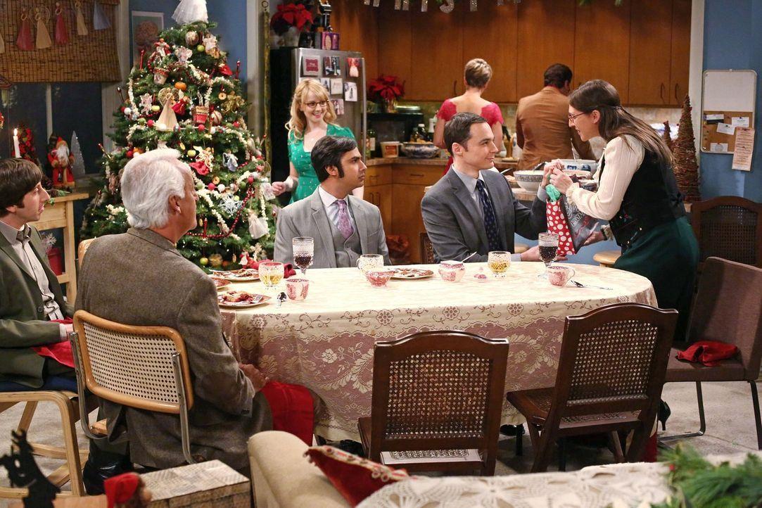 Weihnachten steht vor der Tür und Bernadette (Melissa Rauch, hinten l.), Howard (Simon Helberg, l.), Amy (Mayim Bialik, r.), Sheldon (Jim Parsons, 2... - Bildquelle: Warner Bros. Television