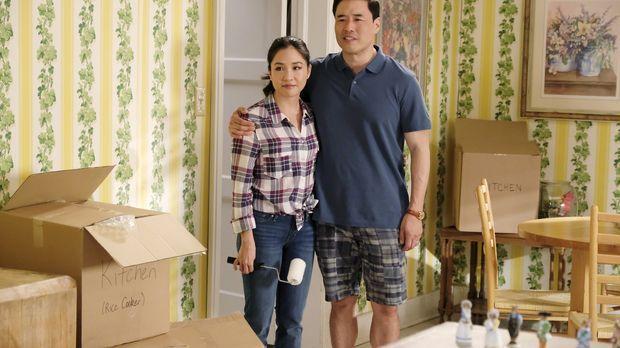 Louis (Randall Park, r.) und Jessica (Constance Wu, l.) haben beschlossen, ih...