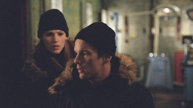 Sydney (Jennifer Garner, l.) und Vaughn erhalten den Auftrag, Informationen ü...