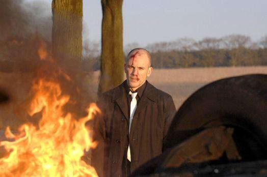 Anna und die Liebe - Gerrit (Lars Löllmann) riskiert sein Leben, um den Mord...