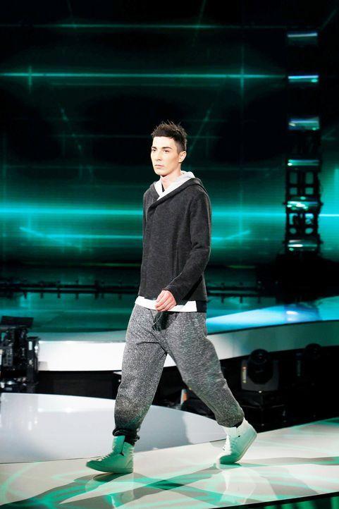 Fashion-Hero-Epi07-Gewinneroutfits-Tim-Labenda-ASOS-02-Richard-Huebner - Bildquelle: Richard Huebner