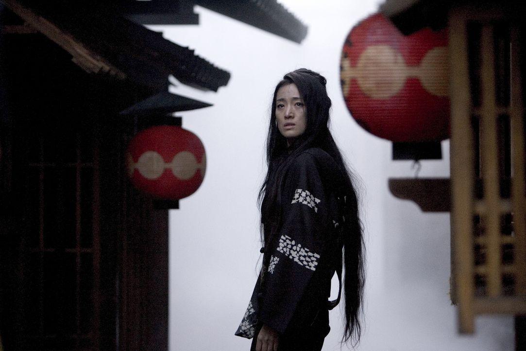 Im Zweiten Weltkrieg werden die Geisha-Häuser aufgelöst, vielen Geishas bleibt nichts anderes übrig, als sich ihren Lebensunterhalt als Prostitui... - Bildquelle: 2005 Sony Pictures Television International.