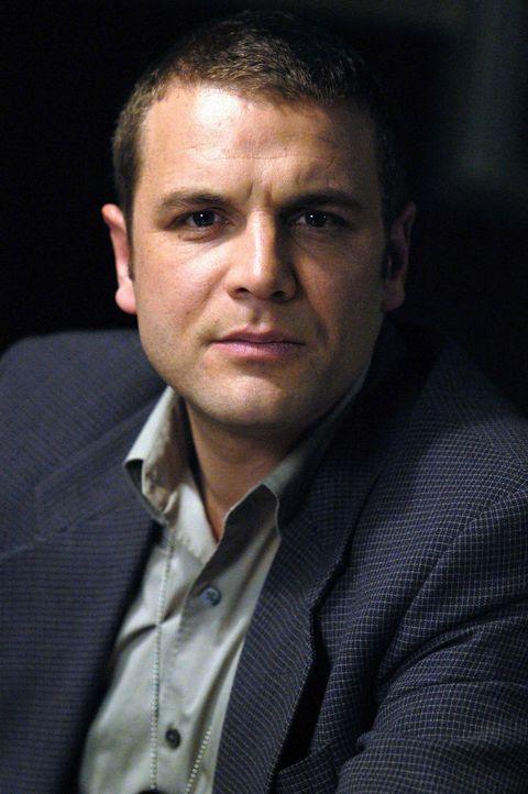 Anfangs hält Detective Lee Scanlon (David Cubitt) Allisons hellseherischen Fähigkeiten für Humbug, doch er wird bald eines Besseren belehrt. - Bildquelle: Paramount Network Television