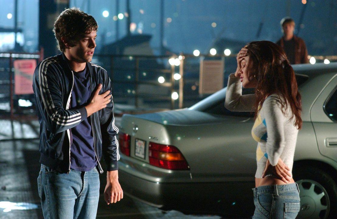 Seth (Adam Brody, l.) kann nicht verstehen, dass Summer (Rachel Bilson, r.) nicht mehr mit ihm zusammen sein möchte ... - Bildquelle: Warner Bros. Television