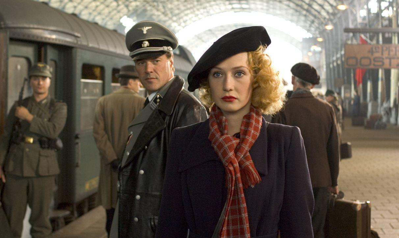 Als sich die Jüdin Rachel (Carice van Houten, vorne) während des Zweiten Weltkrieges dem Widerstand anschließt, ahnt sie nicht, dass sie ausgerec... - Bildquelle: Egoli Tossell Film AG