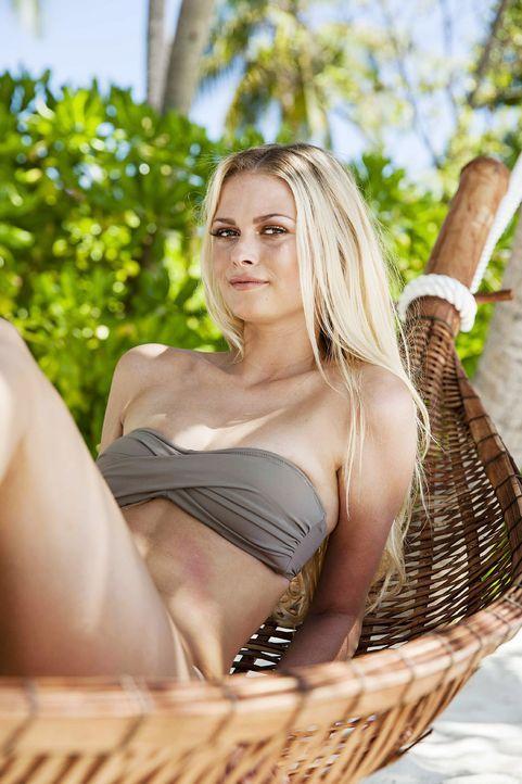 GNTM-Stf10-Epi13-Bikini-Shooting-Malediven-09-Darya-ProSieben-Boris-Breuer - Bildquelle: ProSieben/Boris Breuer