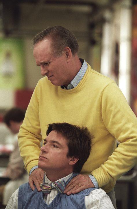 Nicht nur, dass Tom von New York nach Ohio umziehen muss, sondern auch Sofias Ex, Chip Sanders (Jason Bateman, vorne), der sie unbedingt zurückgewi...