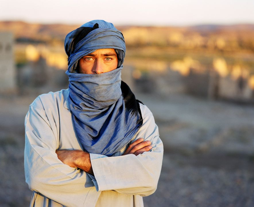Er muss sich Julias Entführern im Irak stellen: Sascha (Jan Sosniok) ... - Bildquelle: Gordon Mühle ProSieben