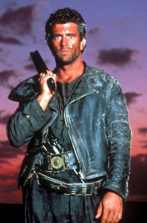 Die Erde ist verwüstet, die Ordnung zerfallen - Einer der letzten aufrechten Gesetzeshüter ist Max (Mel Gibson) ... - Bildquelle: Warner Bros.