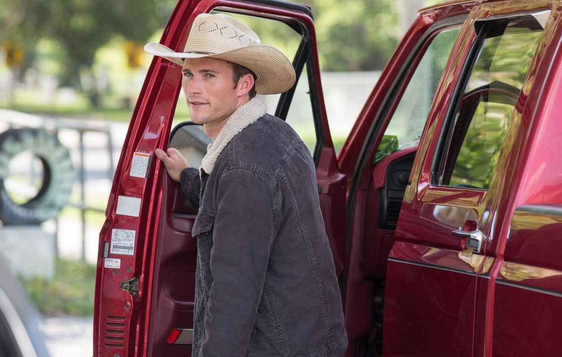 Der verletzte Rodeo-Champion Luke (Scott Eastwood) arbeitet an seinem Comeback, als er die College Studentin Sophia kennen- und lieben lernt. Doch i... - Bildquelle: 2015 Twentieth Century Fox Film Corporation.  All rights reserved.