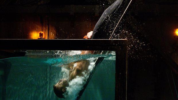 Übermutig entscheidet sich Oliver (Justin Hartley) dazu, sich dem Gesetz von...