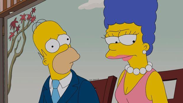 Die Simpsons - Bei Homer (l.) und Marge (r.) hängt der Haussegen schief, denn...