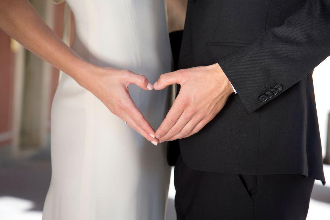 Die große Liebe oder eine unmögliche Partnerschaft? Acht Singles lassen sich von vier Experten verkuppeln und geben sich auch gleich das Ja-Wort ... - Bildquelle: Benedikt Müller SAT.1
