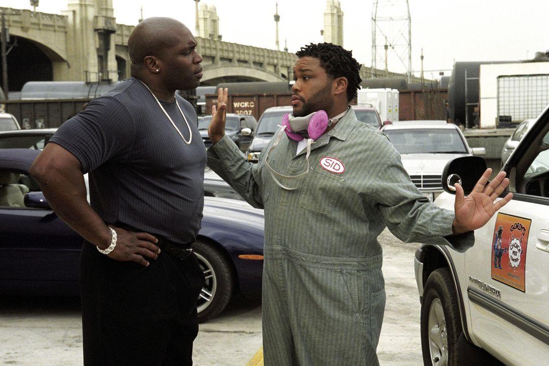 Rasta (Mighty Rasta, l.) macht einen fatalen Fehler: Er unterschätzt Faits treuen Mitarbeiter Tommy (Anthony Anderson, r.) ... - Bildquelle: Warner Bros.