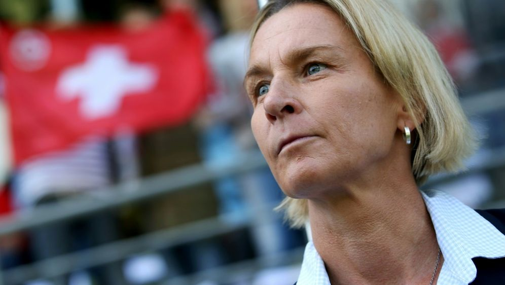 Martina Voss-Tecklenburg steht mit der Schweiz im Finale - Bildquelle: PIXATHLONPIXATHLONSIDPascal Muller