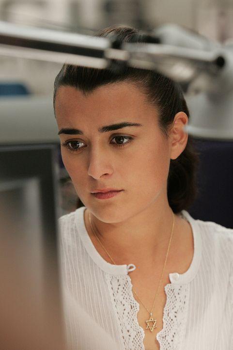 Der neue Fall bereitet Ziva (Cote de Pablo) Kopfzerbrechen ... - Bildquelle: CBS Television