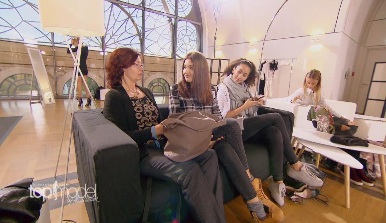 GNTM-S12-Sendung01-Casting-Koeln38 - Bildquelle: ProSieben