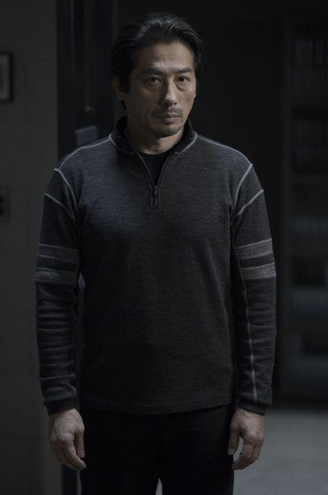 Noch weiß Hataka (Hiroyuki Sanada) nicht, dass er sein Vertrauen doch nicht immer in die Richtigen gesetzt hat ... - Bildquelle: 2014 Sony Pictures Television Inc. All Rights Reserved.