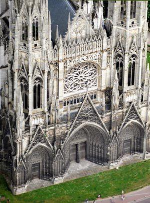 """Inspirierte auch Claude Monet: die Fassade der Kathedrale von Rouen.  Einer der Kathedraltürme, der """"Butterturm"""", erhielt seinen Namen von einer Ak... - Bildquelle: AFP"""